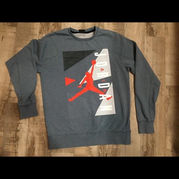 Women s Air Jordan size medium Crewneck Jump man 3c3e5f318